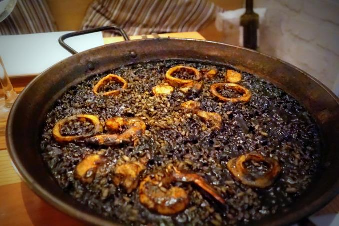 Arroz negro with seafood