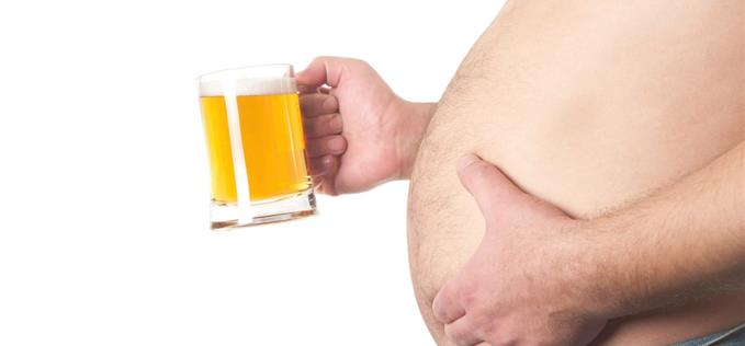 Is the beer belly a myth?